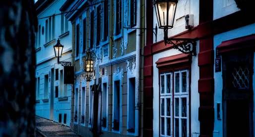 Le case di novy svet creano un'atmosfera magica.