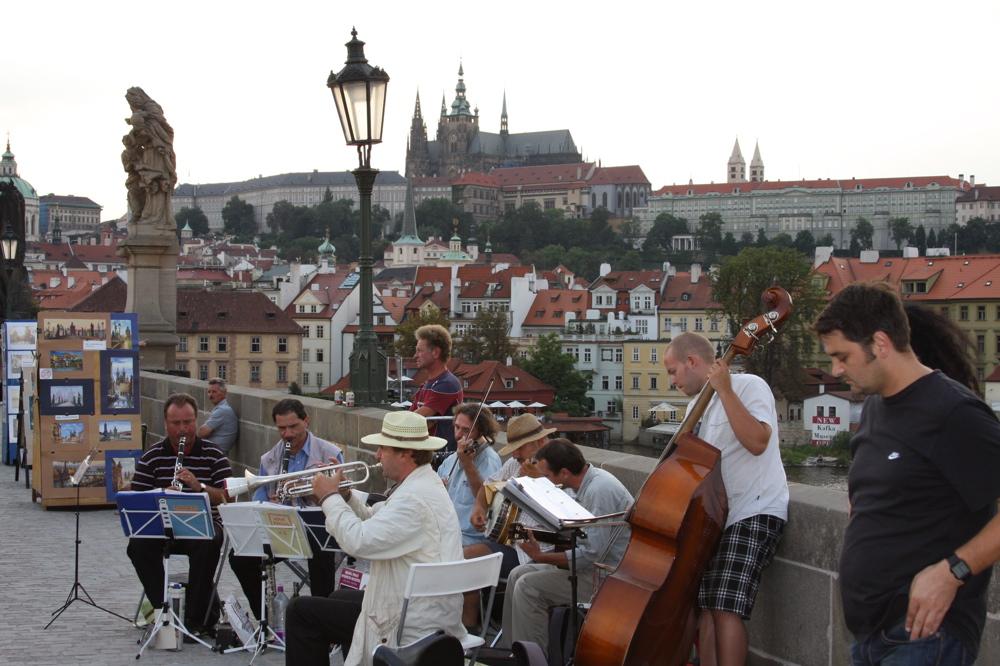 Street-Prague-Musicians
