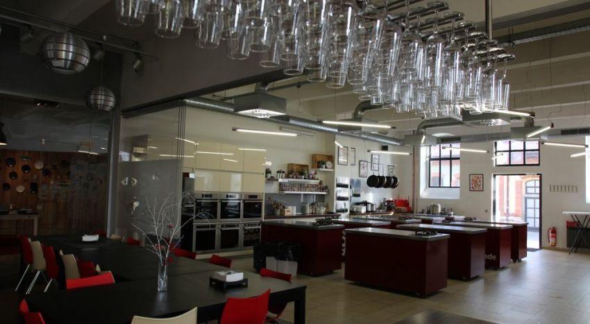 L'interno della scuola di cucina Chef Parade.